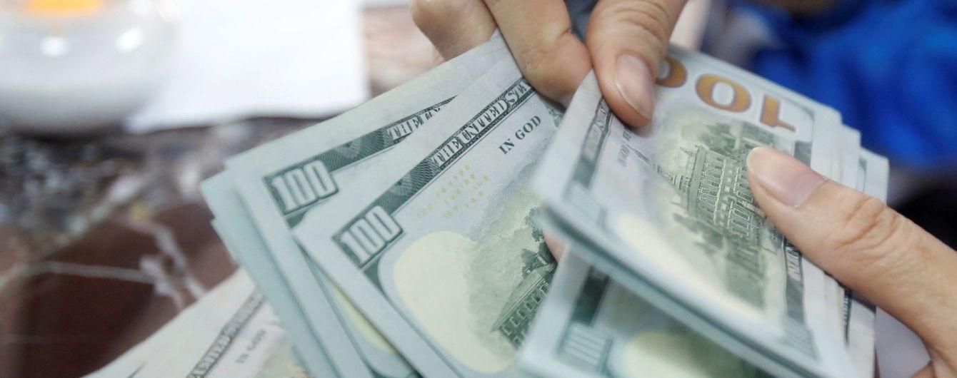 Україна повинна буде щороку віддавати по 7 мільярдів доларів боргів – НБУ