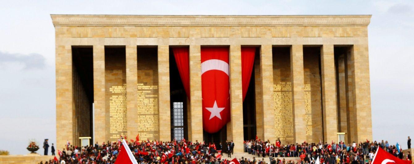 Турецька влада ввела візовий режим для російських далекобійників