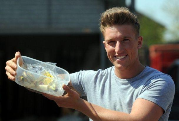 У Британії покупець відкрив упаковку бананів, звідки вилізли сотні павуків