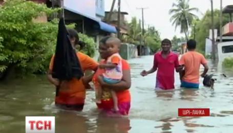 З'ясовують кількість загиблих внаслідок повені на Шрі-Ланці