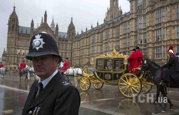 Королівська грація. Як британський монарх урочисто відкрила сесію парламенту