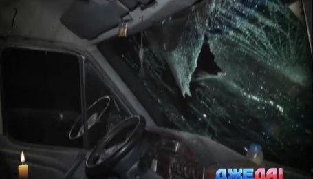 В Киеве женщина на Nissan на тротуаре сбила детскую коляску
