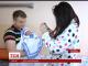 У тернопільському пологовому будинку новонароджених вдягли у вишиванки
