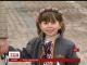 У Києві між двох дзвіниць люди у національному вбранні створили ланцюг
