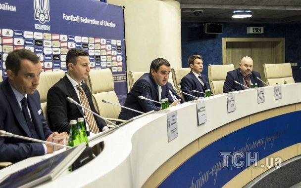 Збірну України вбрали у стильні костюми до Євро-2016