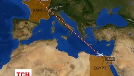 В Средиземном море продолжаются поиски самолета, следовавшего из Парижа в Каир