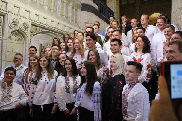 Прем'єр Канади одягнув українську вишиванку