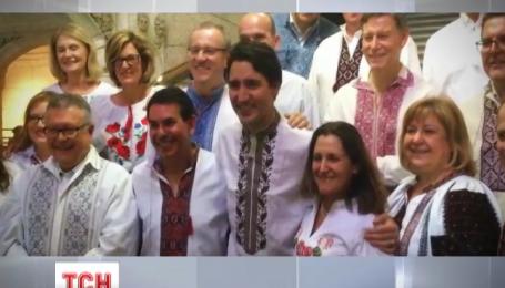 Премьер-министр Канады примерил украинскую вышиванку