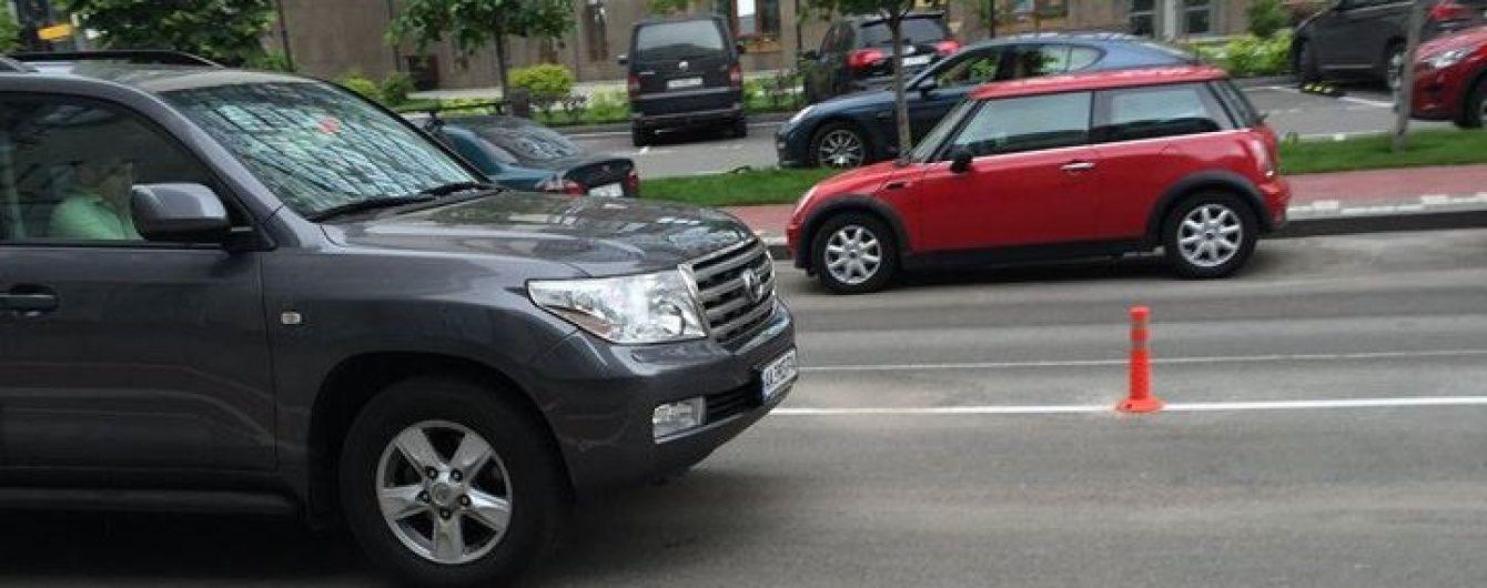 Сакварелідзе пояснив фото з ним у дорогому Toyota Land Cruiser