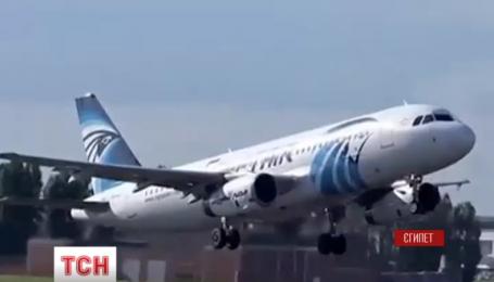 Продолжаются поиски самолета авиакомпании EgyptAir и расследования причин его падения