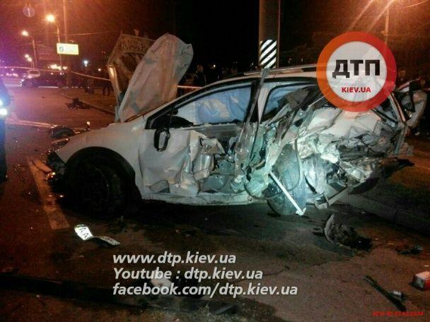 У Києві п'яний водій у моторошному зіткненні убив людину