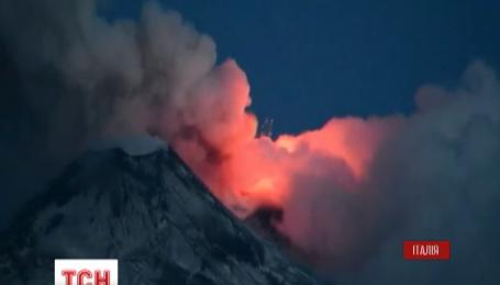 В Италии активизировался самый высокий вулкан Европы