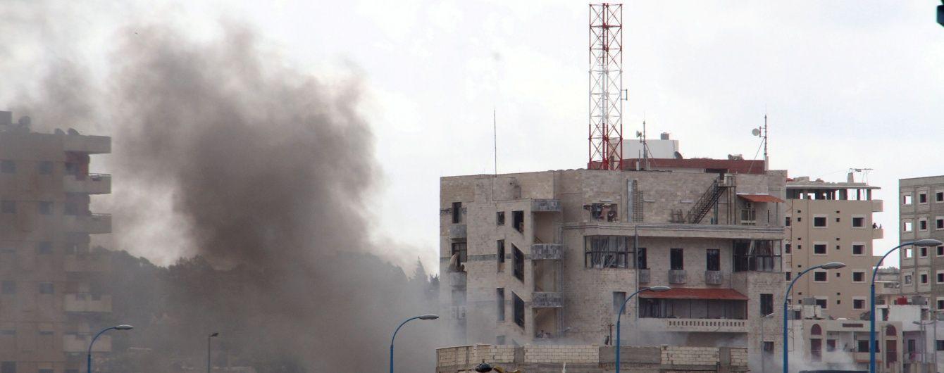Пентагон не исключил нанесения авиаудара по базе армии Асада