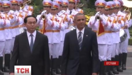 США разрешили продавать Вьетнаму оружие