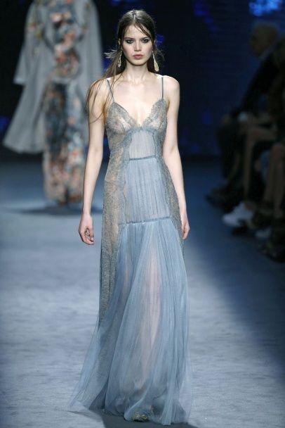 Мода осени 2016: бельевой тренд по-прежнему актуален