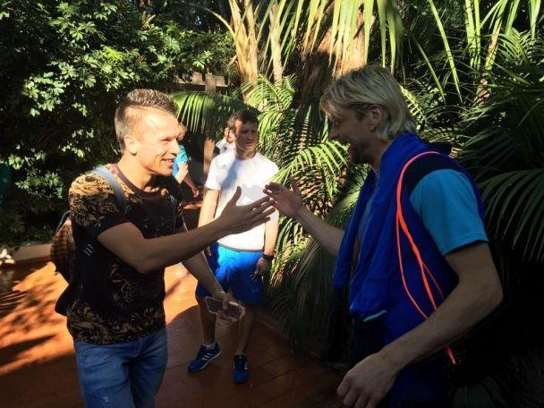 Коноплянку з обіймами зустріли у збірній України