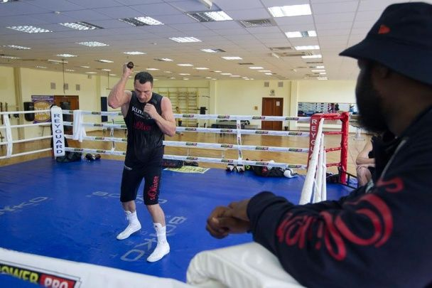 Кличко зізнався, що не може дочекатися повернення своїх чемпіонських поясів