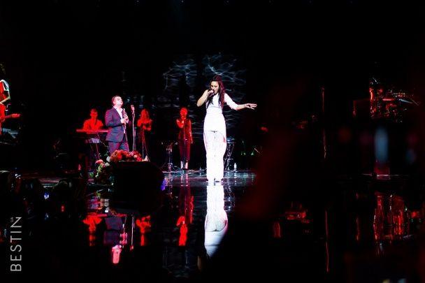 """Тріумфаторка """"Євробачення 2016"""" Джамала відіграла аншлаговий концерт у столиці"""