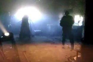 Волонтери опублікували відео потужного обстрілу бойовиками промзони Авдіївки