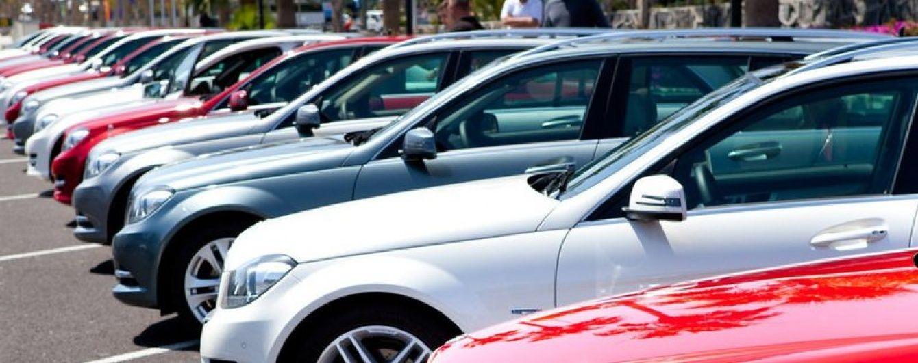 Українці почали більше купувати нові автомобілі