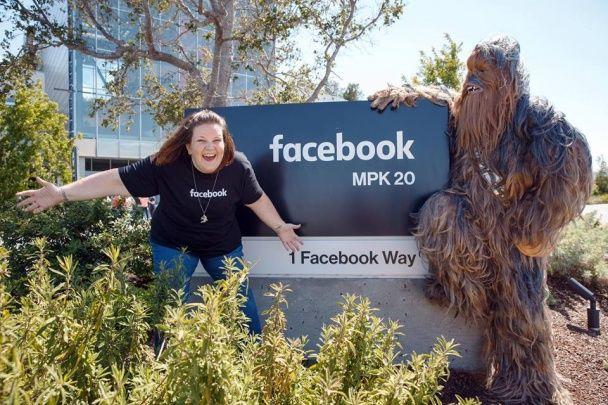 Зоряну маму Чубакки запросили до відомого коміка і в офіс Facebook