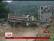 На півдні Китаю після повені завалився будинок