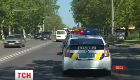 В Одессе ищут машины, которые незаконно находятся в Украине