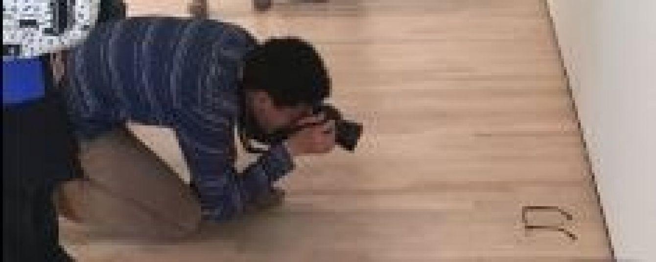Каверза сучасного мистецтва. Відвідувачі музею сприйняли як шедевр прості окуляри на підлозі