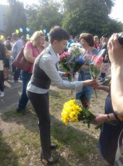 Надія Савченко у рідній школі_2