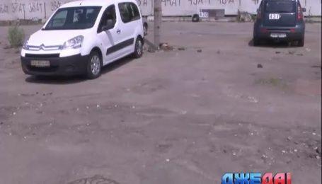 Как ДжеДАИ отбили у застройщиков единственную на весь микрорайон парковку