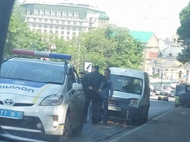 """Журналістам """"ДжеДАІв"""" пропонували кинути гранату в машину: соціальна провокація на дорогах Києва"""