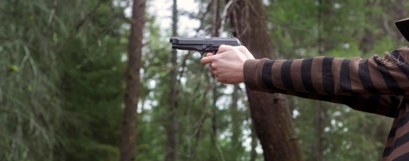 У Первомайську п'яний офіцер підстрелив місцевих мешканців і звинуватив у обстрілі військових АТО