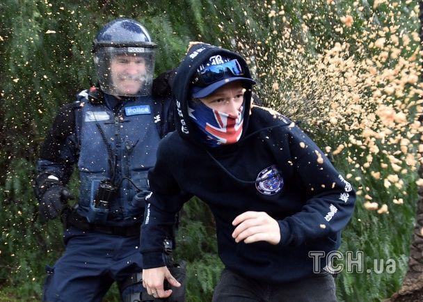 У Австралії сталися масові сутички антирасистів та антиісламістів: поліція застосувала газ