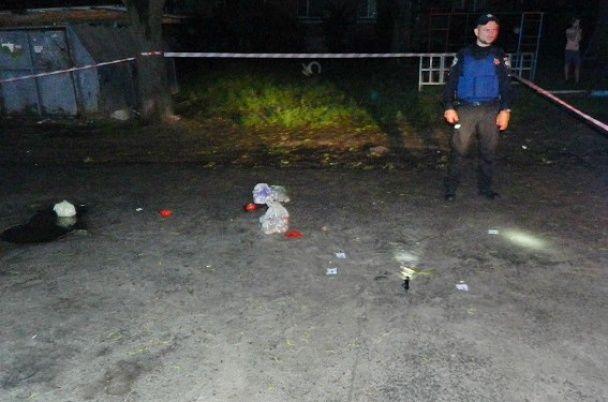 Поліція оприлюднила фото з місця кривавої стрілянини у Києві