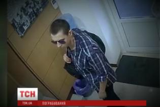 """Очевидці розповіли про """"перемогу"""" злочинця в перестрілці з поліцейськими Києва"""