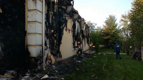 Під Києвом у масштабній пожежі у будинку для людей похилого віку згоріли 7 осіб