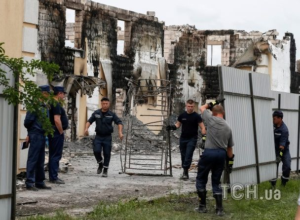 Вогонь під Києвом: Reuters показало наслідки моторошної пожежі у будинку для літніх