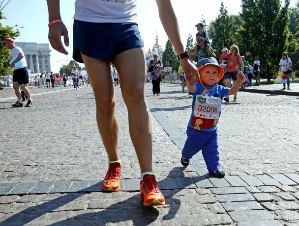 Регата, пробіг, вишиванки і Кличко на велосипеді: як у Києві відсвяткували День міста