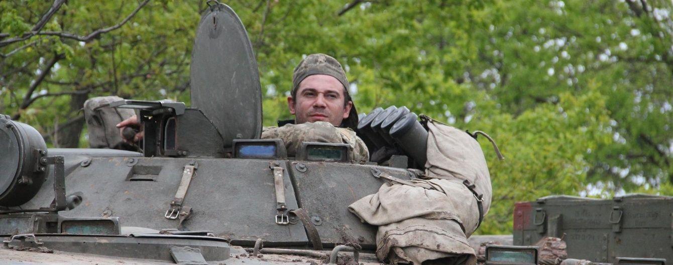 Буремна ніч на Донеччині та затишшя на Луганщині. Хроніка АТО