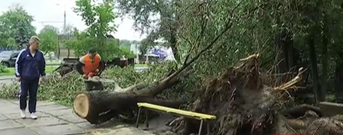 У Харкові ліквідовують наслідки найсильнішого за півстоліття стихійного лиха
