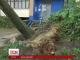 Наслідки зливи й урагану долають у Харкові
