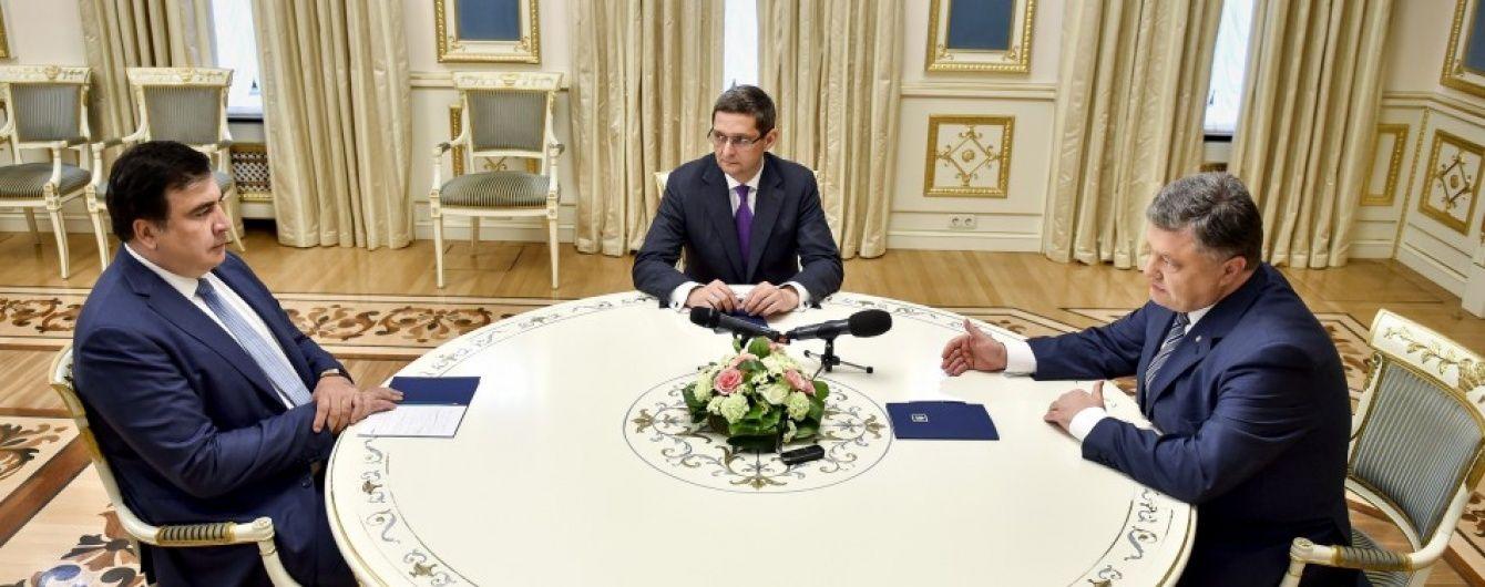 Порошенко наказав Саакашвілі проконтролювати ремонт траси Одеса-Рені