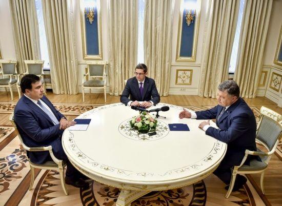 Саакашвілі опублікував відкритого листа до Порошенка і закликав його добровільно піти у відставку