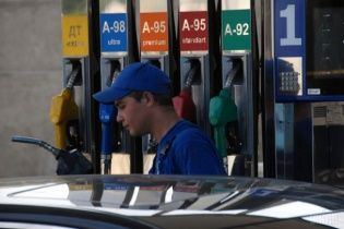 Власти планируют поддерживать украинских производителей бензина