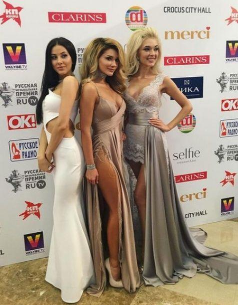 Сєдокова та Йолка у звабливих сукнях стали тріумфаторками російської премії