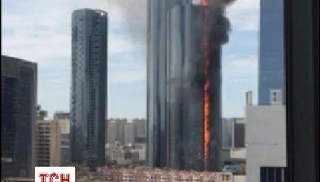 В Китае произошел пожар в недостроенной многоэтажке