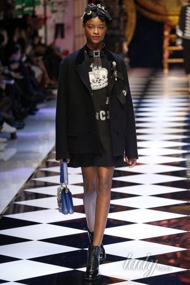 Коллекция Dolce & Gabbana прет-а-порте сезона осень-зима 2016-2017_36