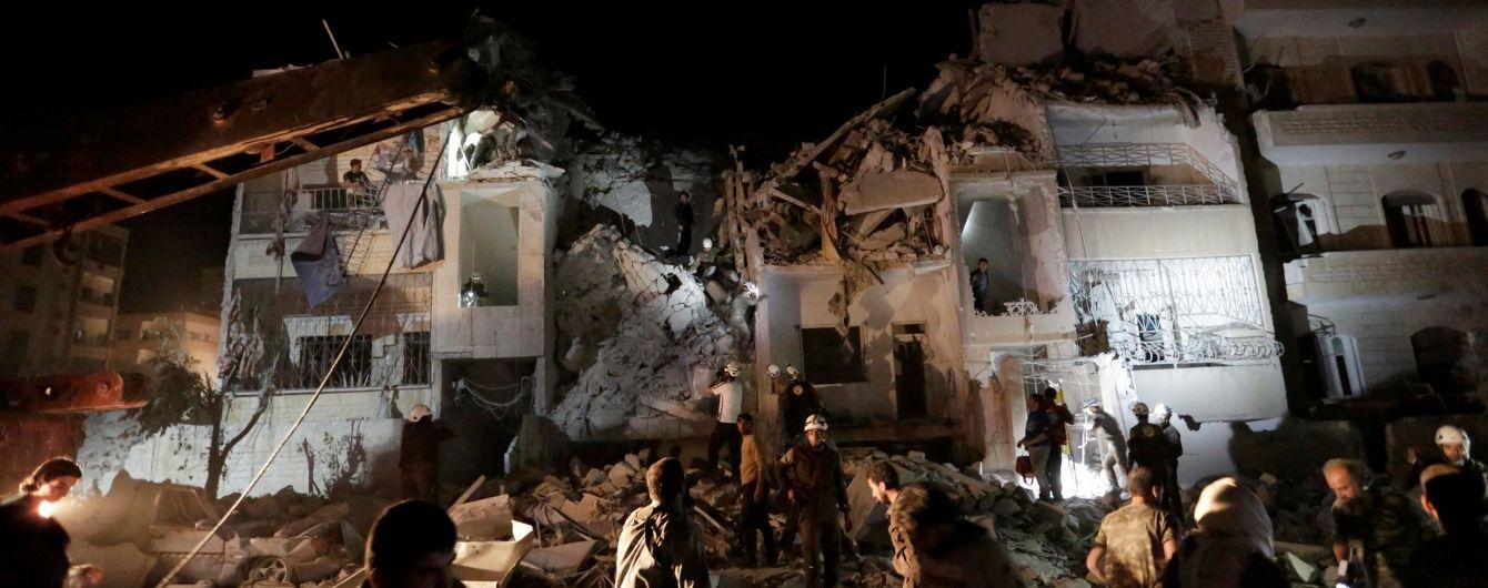У результаті бомбардування у Сирії в Алеппо загинуло щонайменше 32 особи