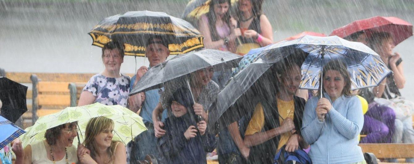 Синоптики спрогнозували дощі та грози на Київщині