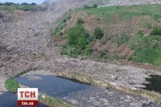 ТСН вдалося відзняти з повітря масштаби екологічної загрози під Львовом